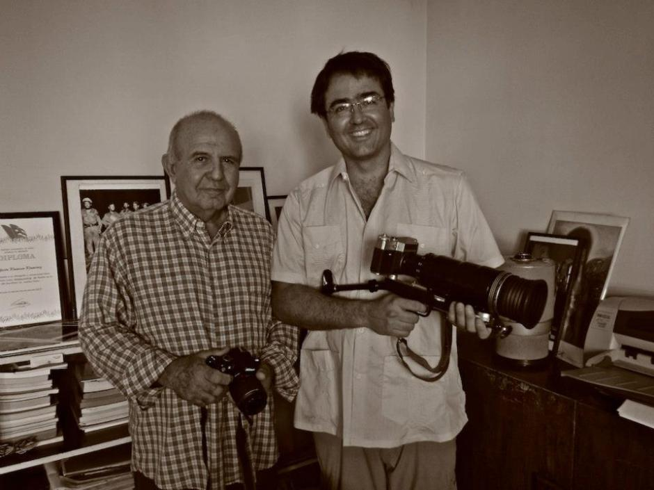 Kike with Cuban photographer Perfecto Romero, an icon for documenting the Cuban Revolution.
