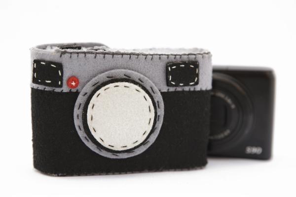 9-felt-camera-case-1